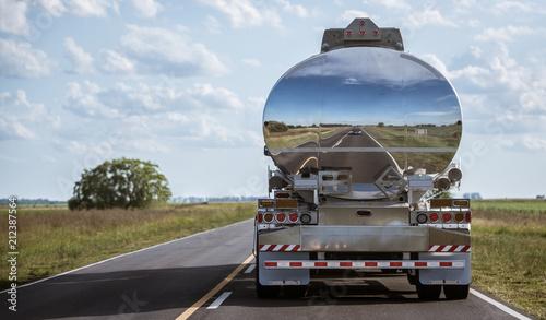 Valokuva Gasoline truck delivery