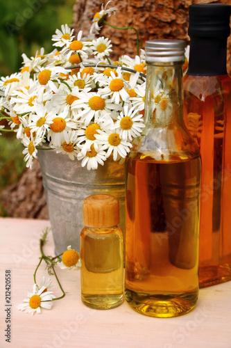 Fotografie, Obraz  Alternative Medizin mit Kamille