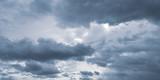 Fototapeta Na sufit - Pochmurne niebo przed burzą