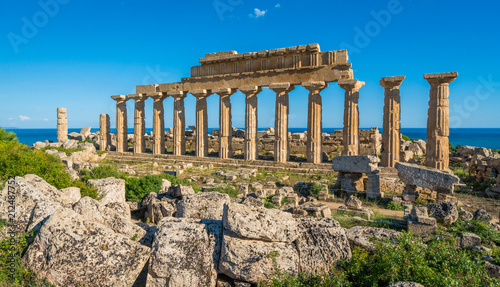 Foto auf Leinwand Ruinen Ruins in Selinunte, archaeological site and ancient greek town in Sicily, Italy.