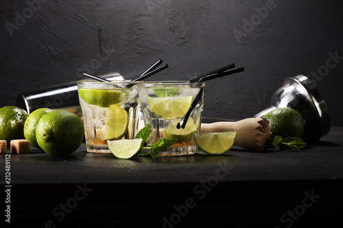 Foto op Plexiglas Cocktail Lemon Fruit Lime Caipirinha of Brazil