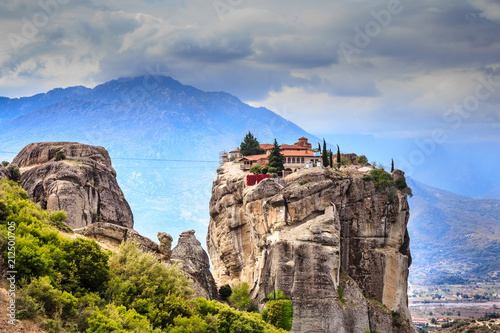 Poster Historisch geb. Monastery of the Holy Trinity i in Meteora, Greece