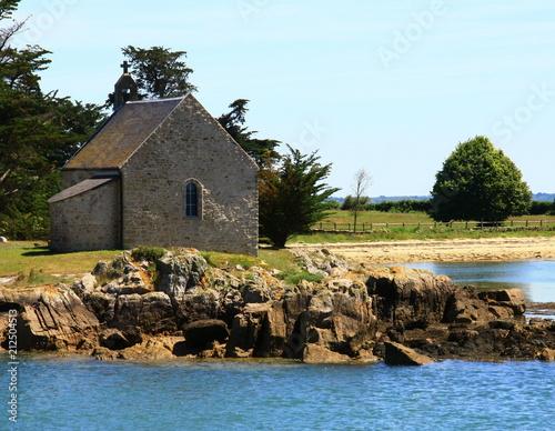 chapelle de l\'île du boëdic dans le golfe du morbihan - Acheter ...