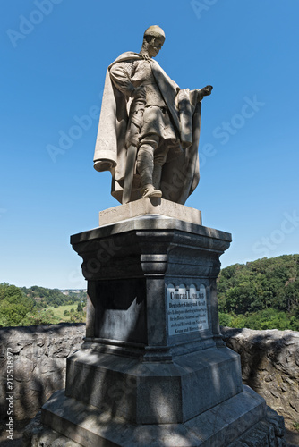 Staande foto Artistiek mon. King Conrad 1 of monument on the Bodenstein above the Lahn River east of Runkel, Hesse, Germany