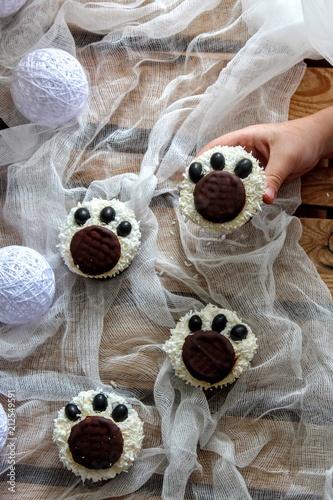 Photo  Polar bear cupcakes
