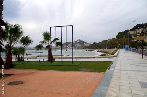 Obraz premium Hiszpania, Malaga siłownia nad brzegiem morza