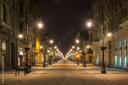 Obraz Piotrkowska street at night in Lodz city, Lodzkie, Poland - fototapety do salonu