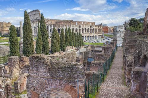 Zdjęcie XXL Colosseum antyczny budynek w Rzym mieście, Włochy