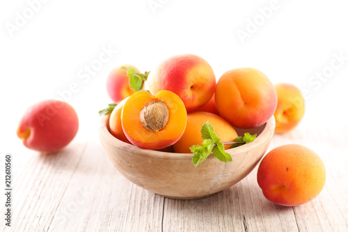 bowl of fresh apricot © M.studio