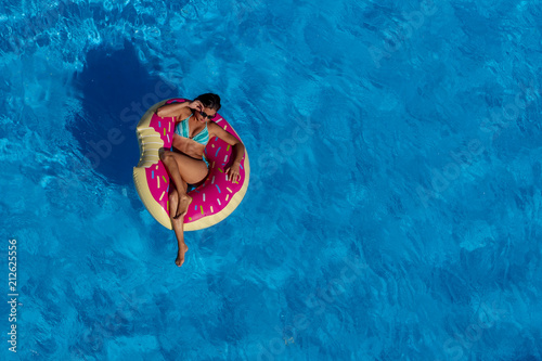 Fotografie, Obraz  Hispanic Brunette Model At The Pool
