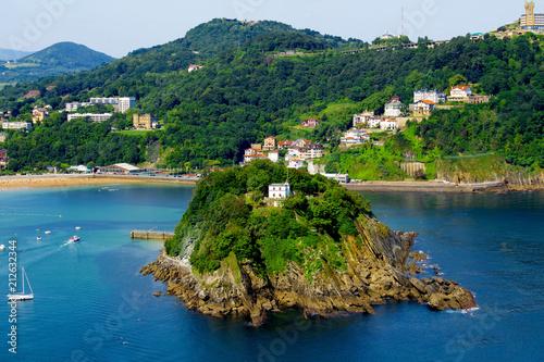 Obraz na płótnie View of  the city,ocean and island  on the sunny day