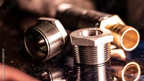 Photo Montage - Schraubenkiste - Industrie - Metallisch - Gewinde - Industrielle Ferti