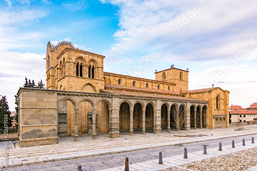 Deurstickers Oude gebouw The Basilica of Saint Vincent is a Romanesque church located in Avila, Spain, the largest and most important city after the Cathedral