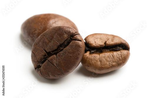 Fototapeta close up of dark roasted fair trade coffee beans obraz