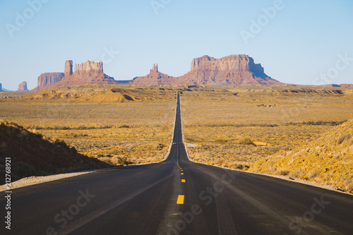 Foto op Canvas Verenigde Staten Classic highway view in Monument Valley at sunset, USA