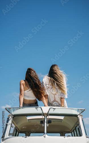 CECILE: Lesbian happy massge