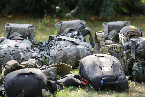 Photo  Equipment of Romanian military paratroopers