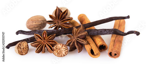 In de dag Kruiden Assorted spices on white background