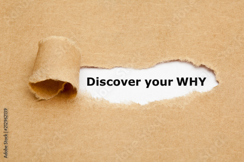 Fotografiet  Discover Your Why Torn Paper