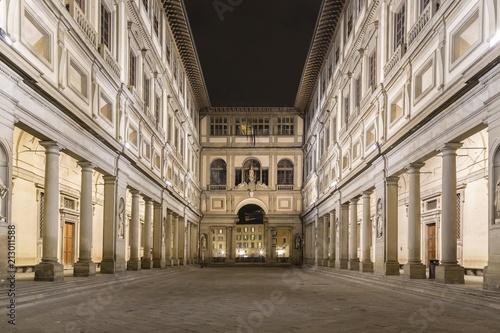 Spoed Foto op Canvas Mediterraans Europa Uffizi Gallery, night, Florence, Tuscany, Italy, Europe