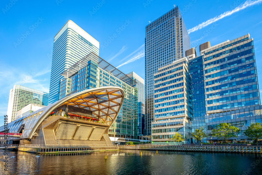 Fototapety, obrazy: Canary Wharf on the Isle of Dogs in Greater London