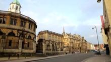 Broad Street Oxford Looking We...