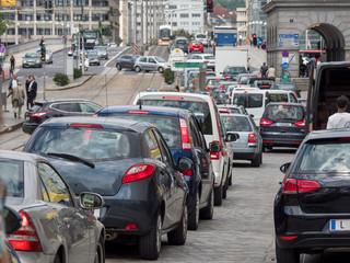 Linz, Verkehrsstau am Hauptplatz