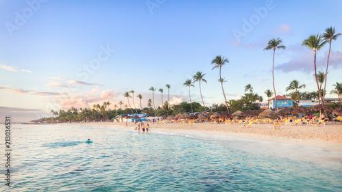 Cuadros en Lienzo Sun set at Bayahibe beach, La Romana, Dominican republic