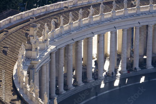 Fototapeta Statues ontop of the colonnades in St Peter's square, Vatican City, Rome, Italy