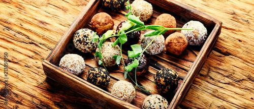 Keuken foto achterwand Snoepjes Vegan chocolate truffles