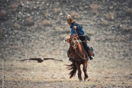 Valokuvatapetti Falconry In Western Mongolia,Golden Eagle Festival
