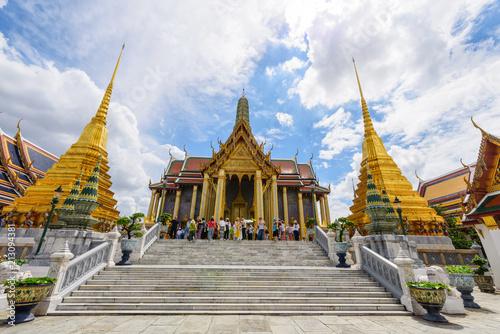 In de dag Bangkok Golden Pagoda in Wat Phra Kaew / Wat Phra Kaew Landmark in Thailand