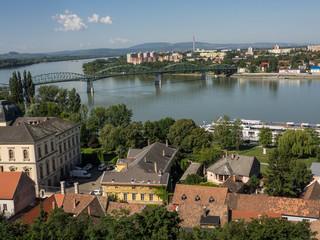 Fototapeta na wymiar Esztergom und das Donauknie