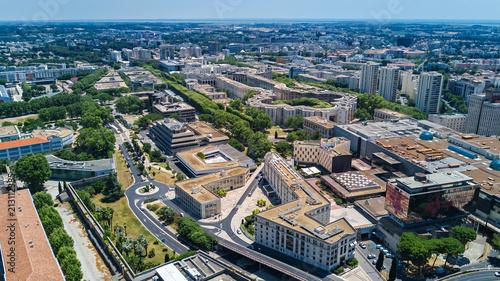 Montage in der Fensternische Luftaufnahme Aerial top view of Montpellier city skyline from above, Southern France