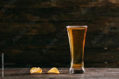 In de dag Bier / Cider Cold Beer and Potato Chips