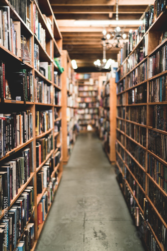 Pasillo biblioteca Canvas Print