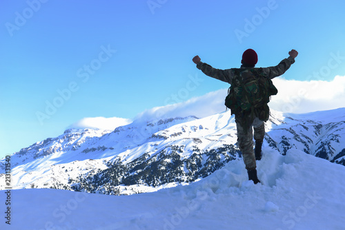 Fotografía  Peak success and happiness for the soldier