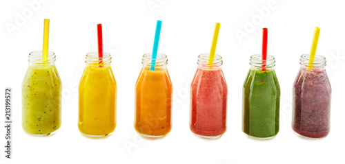 Photo  Assorted fresh fruit and vegetable smoothies