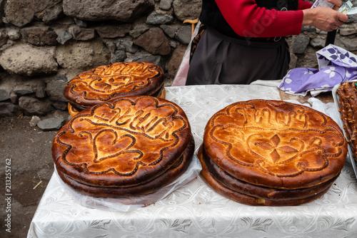 Photo Armenian round gata cakes