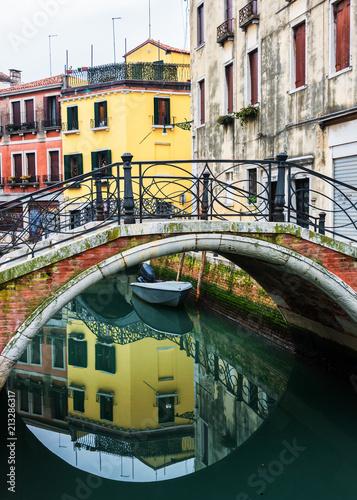 Plakat Wrażenia z Wenecji - kanał i most zimą