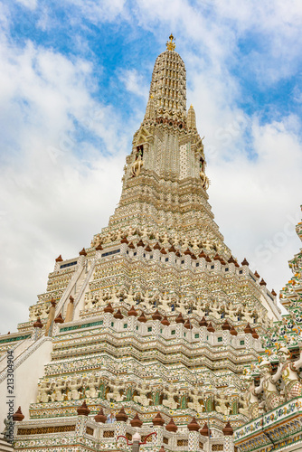 Foto  Wat Arun monumental Buddhist temple in Bangkok, Thailand.