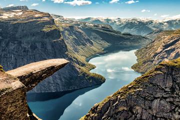 Trolltunga Norway - Wędrówki na wakacje
