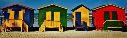 Foto op Canvas Honing Landscape with colorful changing huts on a beach in Muizenberg