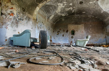 Ruins Of Old Farm Buildings - ...