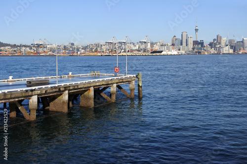 Fotobehang Oceanië Auckland city skyline Waitemata harbour New Zealand