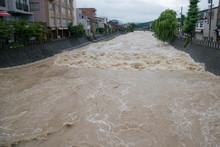 大雨による河川の増水