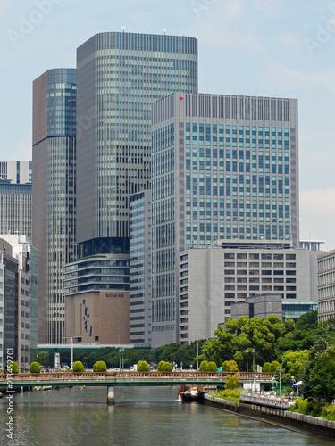 Staande foto Asia land 水都大阪 難波橋から見る栴檀木橋と中之島のビル群