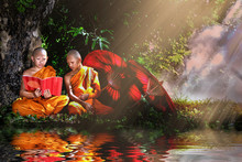 Two Thai Buddhist Novices Read...