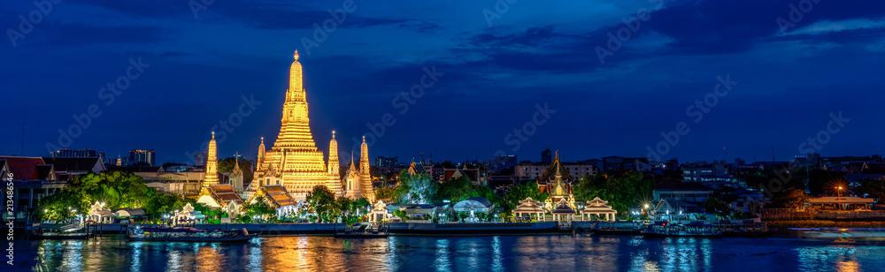 Fototapety, obrazy: Wide panorama of Wat Arun temple, Bangkok, Thailand