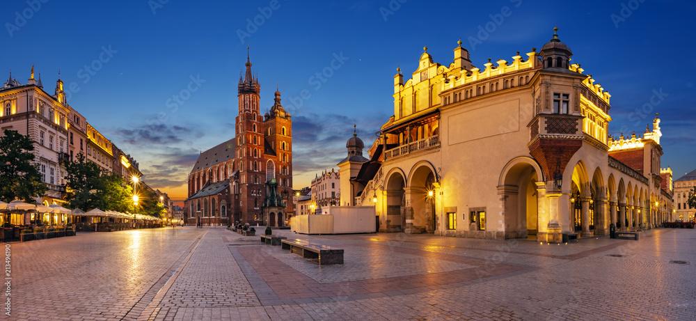 Fototapety, obrazy: Krakow, Poland-June 2018: Main Market Square,Sukiennice ,Krakow, Poland.